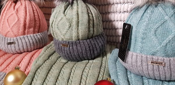 Perfect Hats & Scarf Set in Green