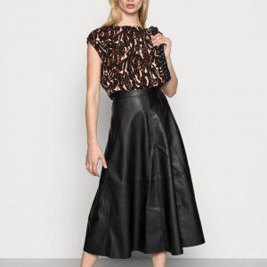 Soaked in Luxury Malene Skirt in Black