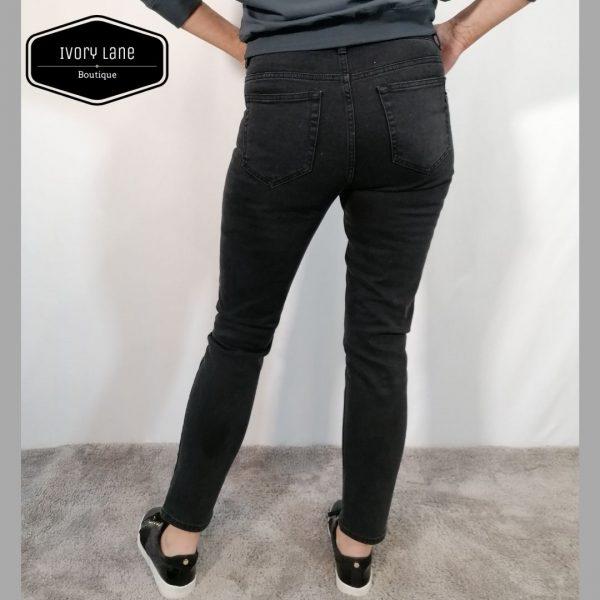 Pieszak Emily Mom Jeans in Black