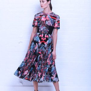 Skeenas Vogue Dress Winter Berries