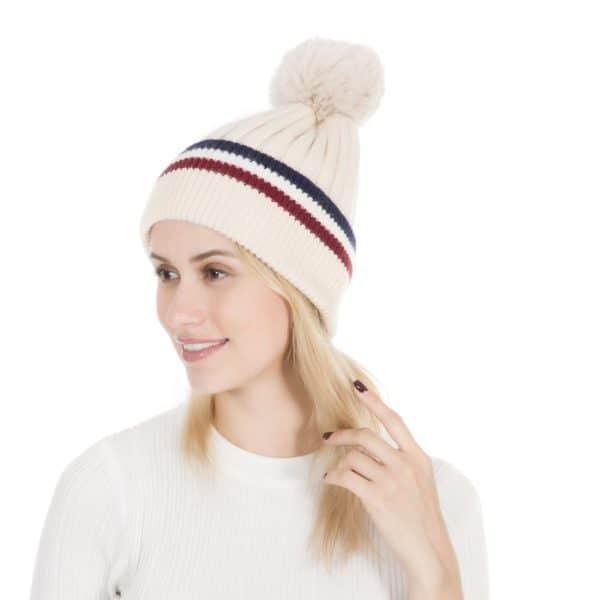 Peach Accessories Plain cashmere blend wool hat in Cream