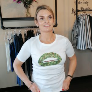 Gina Potter Camo Lip T-shirt