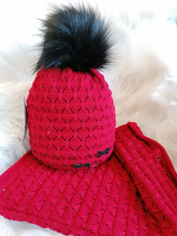 Perfect Hats Snood Set in Red