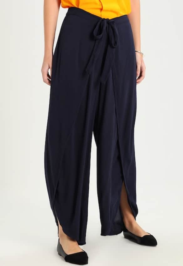 cream Sadie pants in navy 3